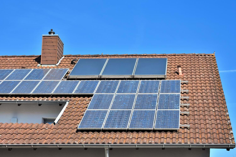 solaranlage dach kosten was kostet eine solaranlage zur. Black Bedroom Furniture Sets. Home Design Ideas